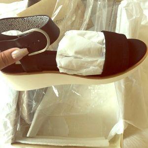 Ellen Degeneres Stella chic sandals size 9M